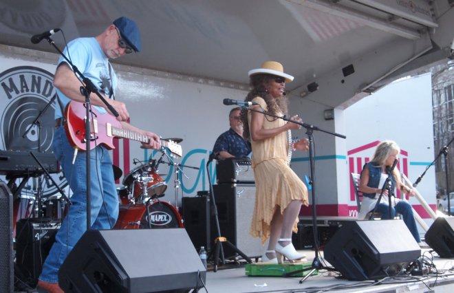 Mississippi Millie Mando Blues Soulshine Nashville Fringe Festival 02