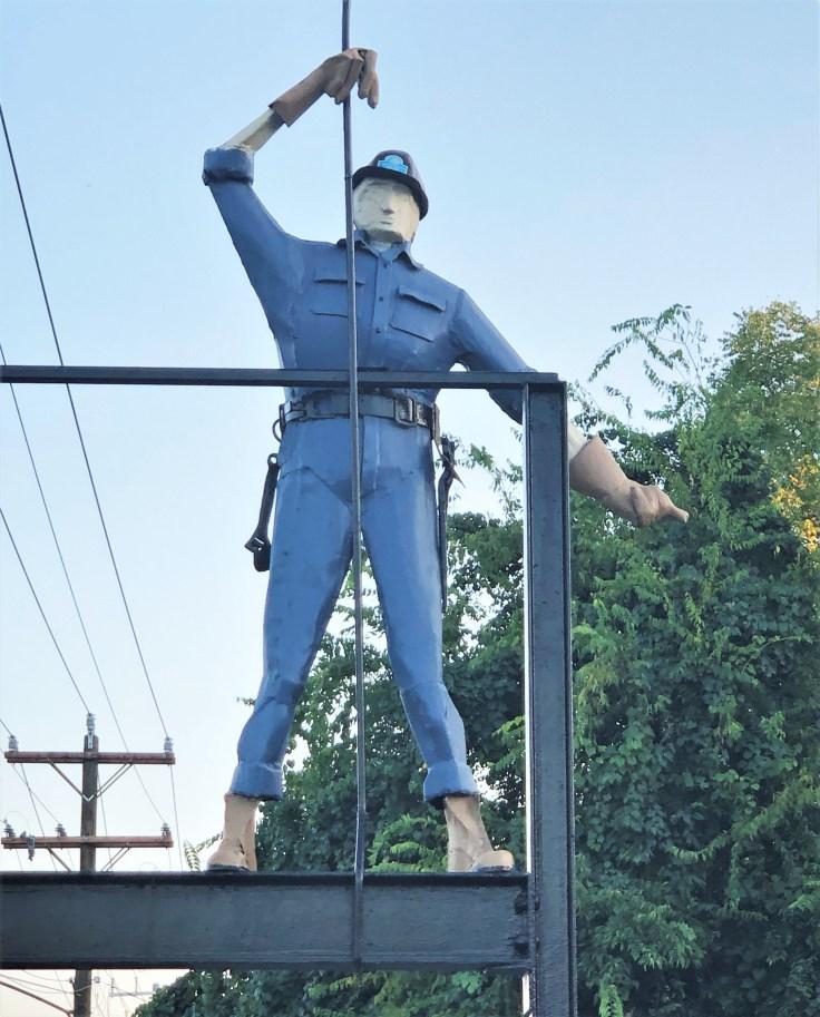 Ironworkers sculpture street art Nashvile