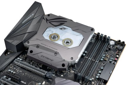 ROG MAXIMUS IX EXTREME-Integrated Monoblock+liquid-cooled M.2 heatsink