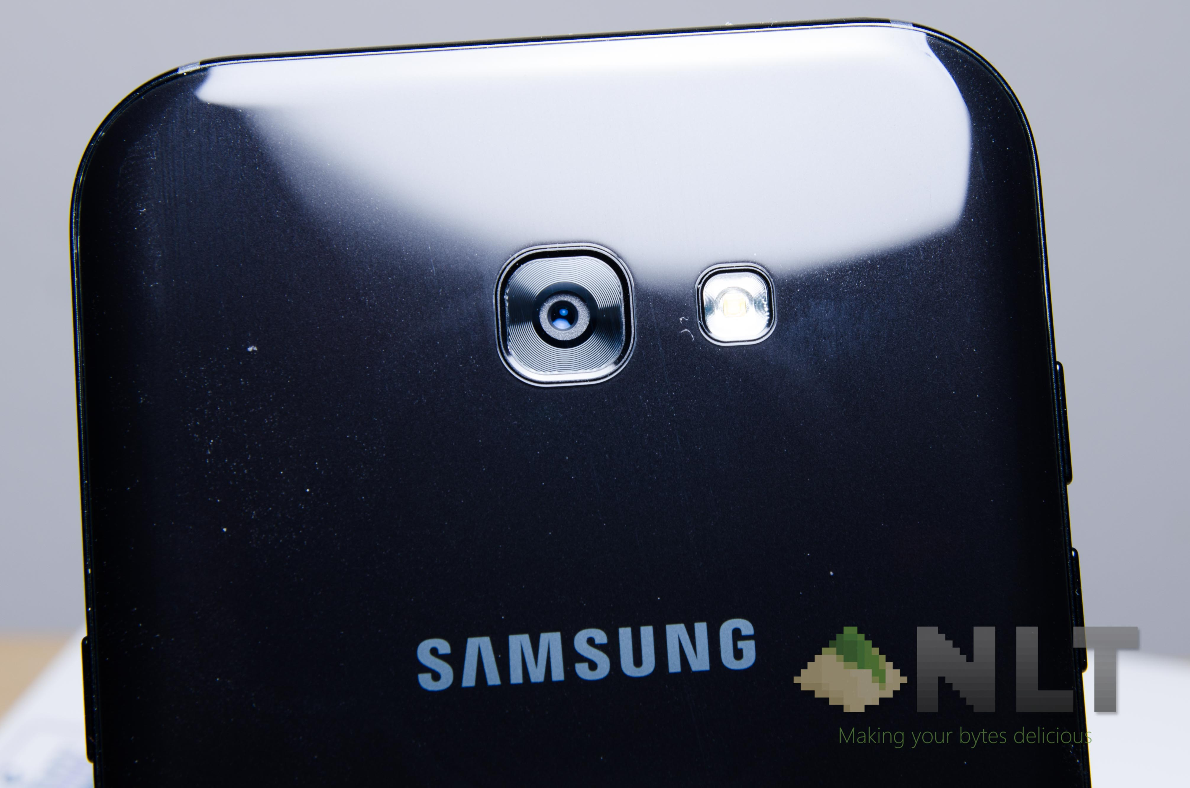 Review Samsung Galaxy A7 2017 A Smartphone To Have Fun Without Worries