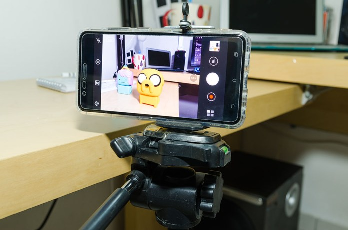 smartphone holder tripod