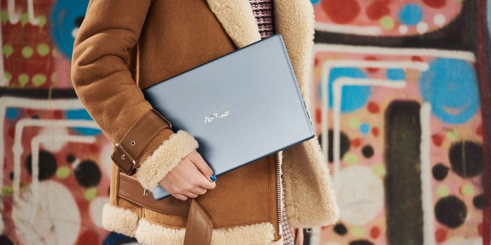 ASUS VivoBook Ultra K403 lifestyle