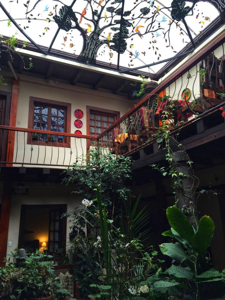 Quito'da Nerede Kalınır, dünyanın ortası ekvator, quito'da gezilecek yerler, güney amerika gezi planı, ekvador gezi rehberi, dünyanın ortası neresi, güney amerika gezilecek yerler,  quito gezi rehberi, nasil gezdim, güney amerika gezi planı