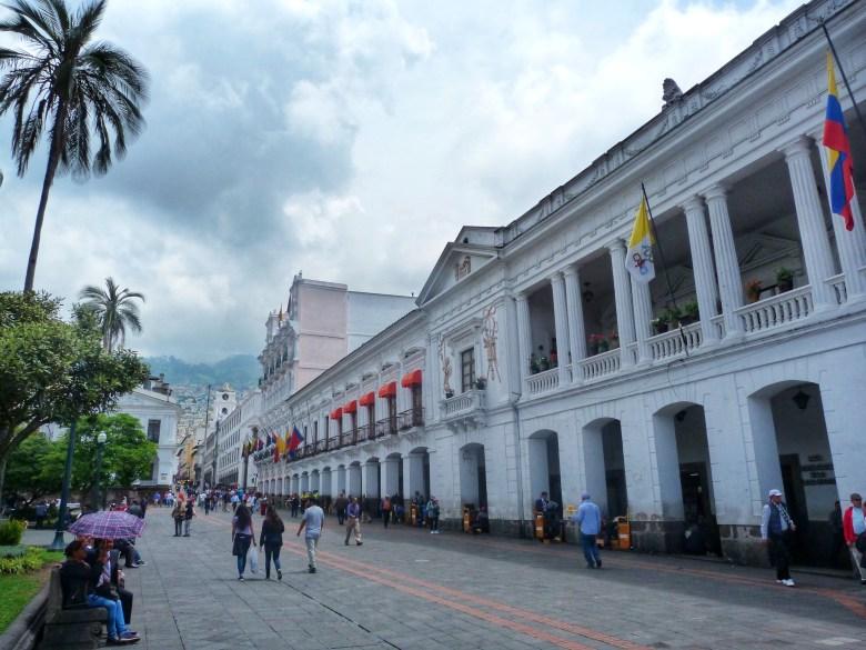 Palacio Arzobispal The Archbishop's Palace Quito Ecuador, dünyanın ortası ekvator, quito'da gezilecek yerler, güney amerika gezi planı, ekvador gezi rehberi, dünyanın ortası neresi, güney amerika gezilecek yerler,  quito gezi rehberi, nasil gezdim, güney amerika gezi planı