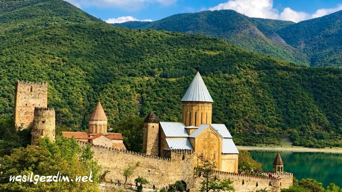 ananuri fortress, ananuri kalesi, tiflis gezi rehberi, tiflis gezilecek yerler, gürcistan gezilecek yerler