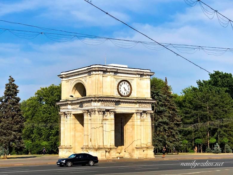 Kişinev gezi rehberi, Kişinev gezilecek yerler, Moldova gezisi, moldova gezilecek yerler, kişinev gezi rehberi, kişinev gezisi, kişinevde gezilecek yerler ,triumphal arch chisinau