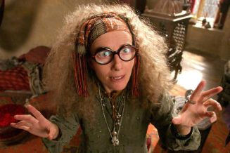 emma-thompson-as-professor-sybil-trelawney