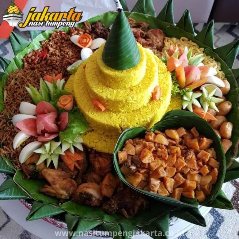 Pesan Nasi Tumpeng 7 Bulanan di Jakarta