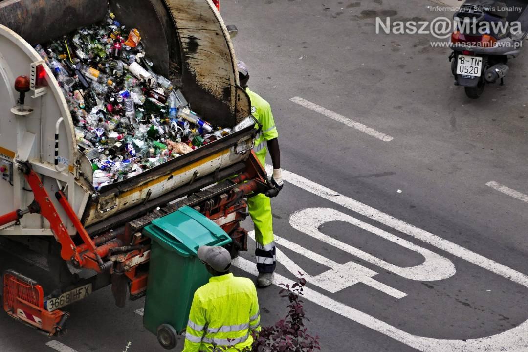 COVID-19. Worek pełen śmieci 3 dni w domu. Nowe zasady