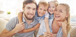 Zadowolona rodzina