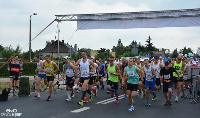 Pavlo Veretskyi z Ukrainy zwycięzcą 8. Śrem Półmaratonu [wyniki]