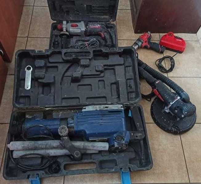 Remontując klientowi dom, dodatkowo ukradł jego narzędzia