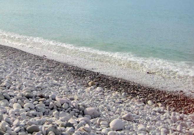 playa-de-cantos-rodados