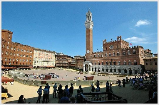 Civil wedding in Siena, Tuscany