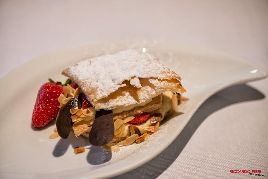 serve a typical Tuscan dessert at your wedding reception
