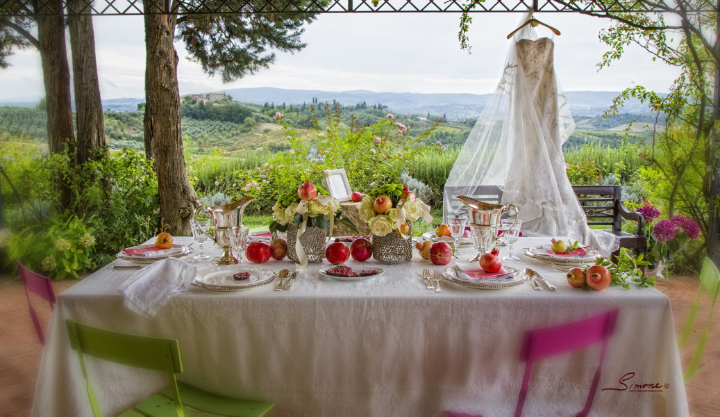 pomegranate wedding breakfast in Tuscany