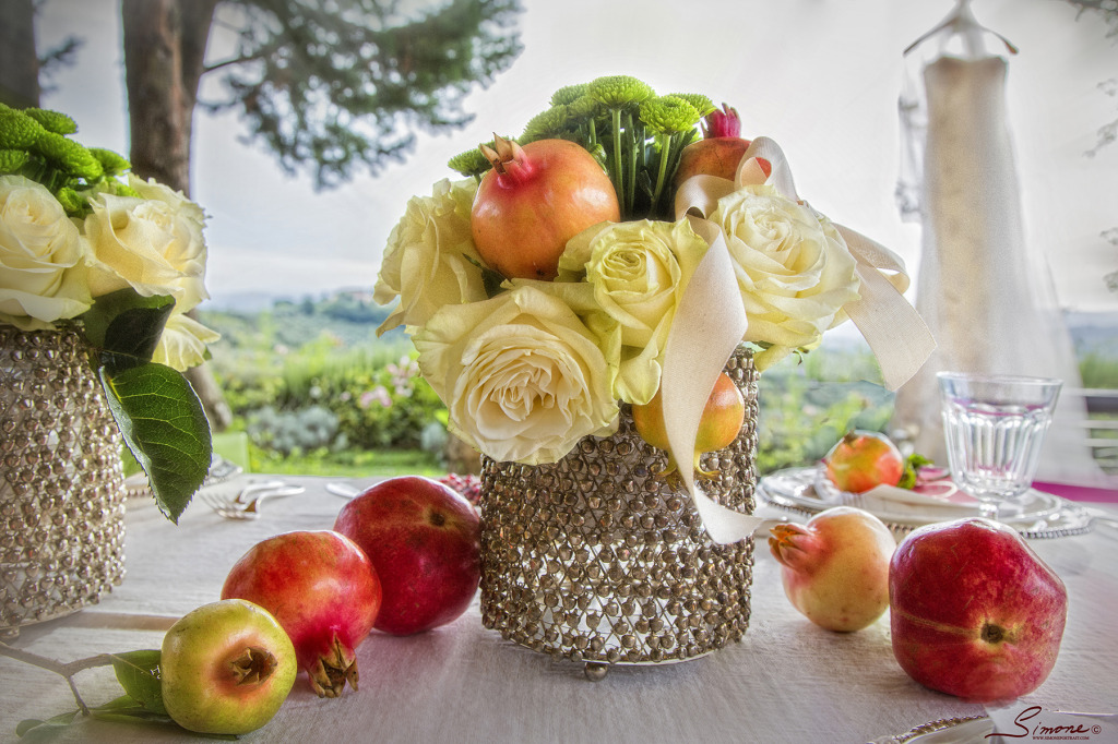 pomegranate inspired wedding breakfast in a dreamy location in Tuscany silver style