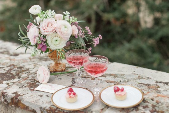 Soft Tuscan Spring colors are the main inspiration for this pre-wedding theme