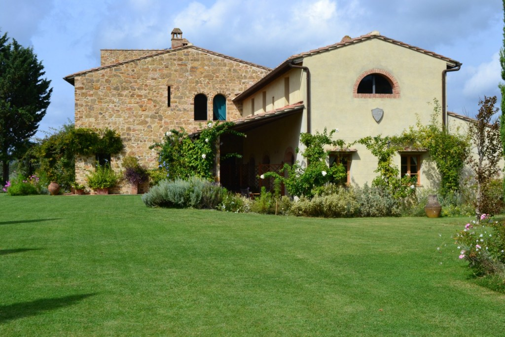Stunning Tuscan Country house, perfect place for an outdoor wedding
