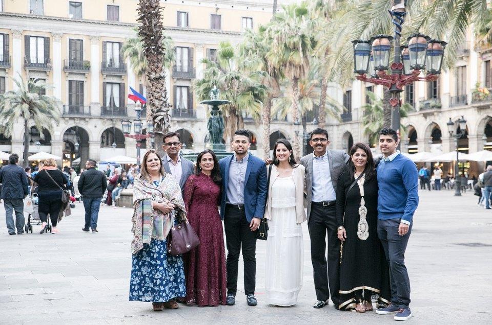 Family photo shoot in Barcelona