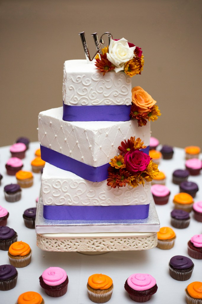 Ann Arbor fall wedding cake