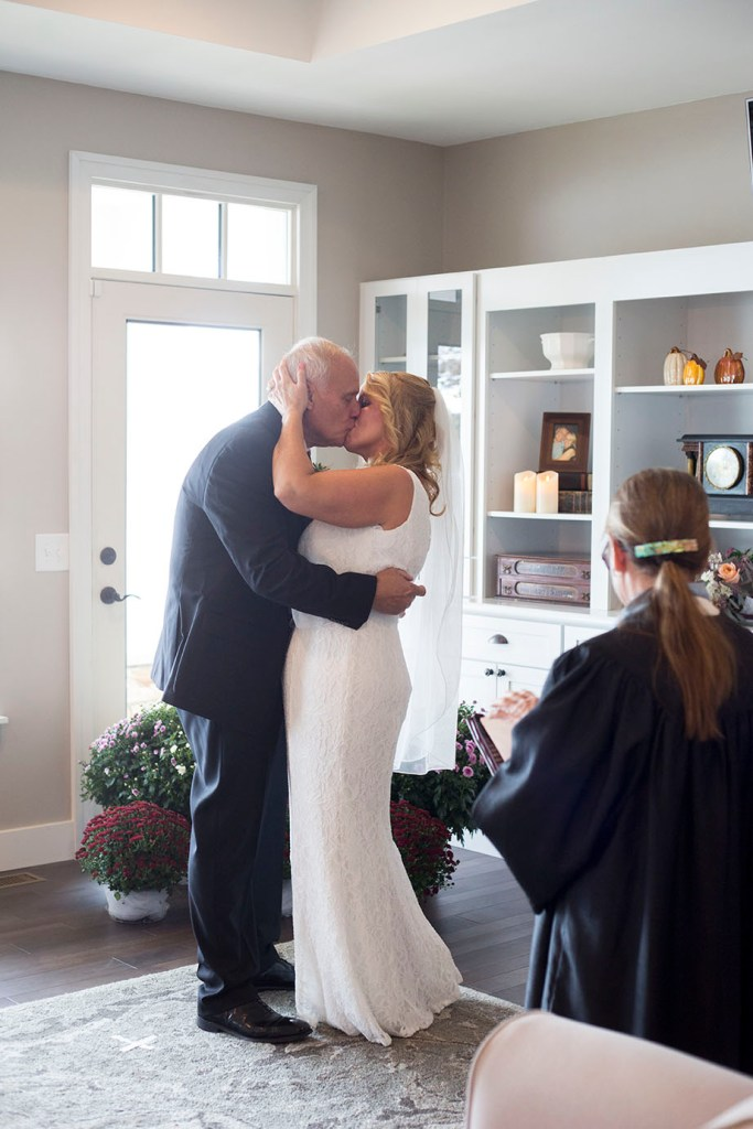 Couples kiss at their Chelsea Michigan elopement