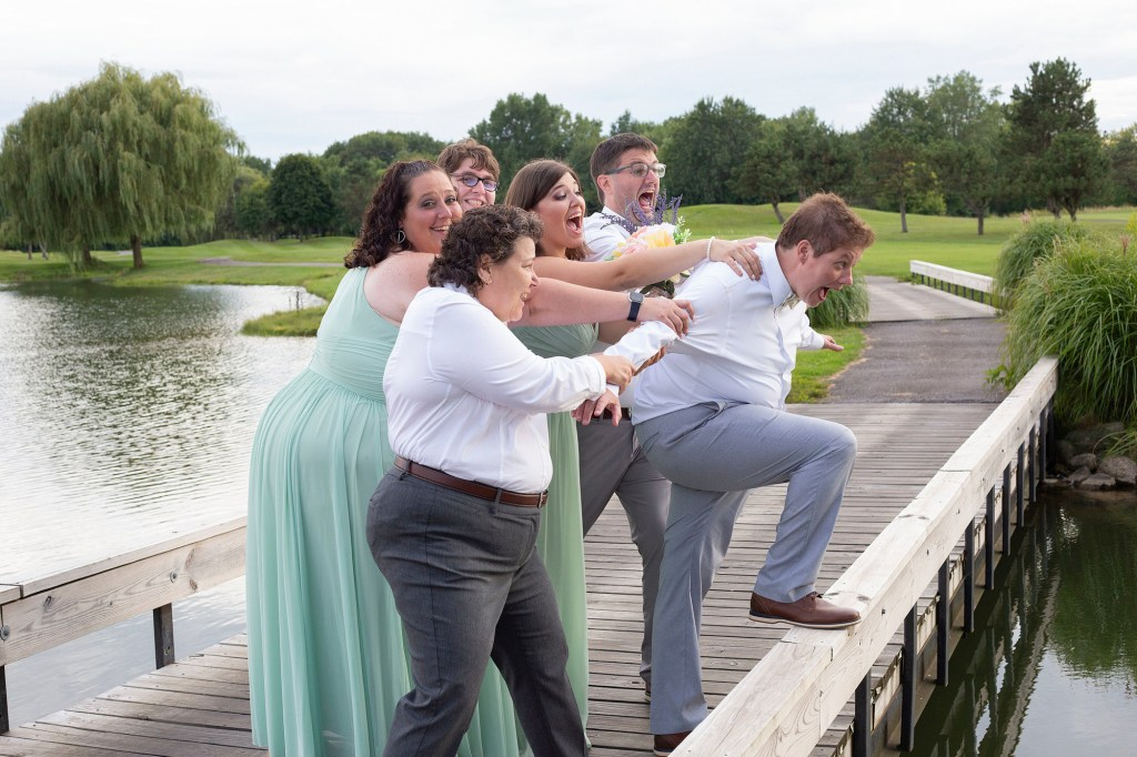 Cheryl's wedding party holding her back from taking the leap