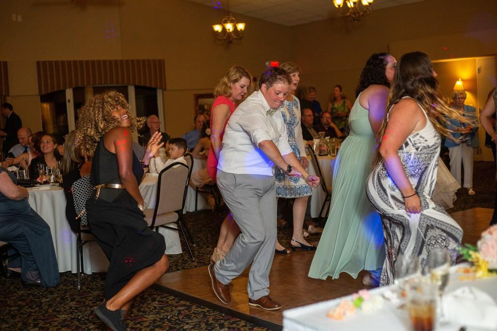 Cupid Shuffle at the Links of Novi wedding