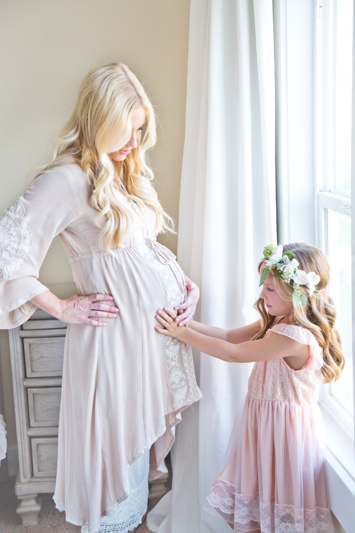 nataliemalan-maternity-style-photoshoot-mother-child-flower-crown-pink-gown-web
