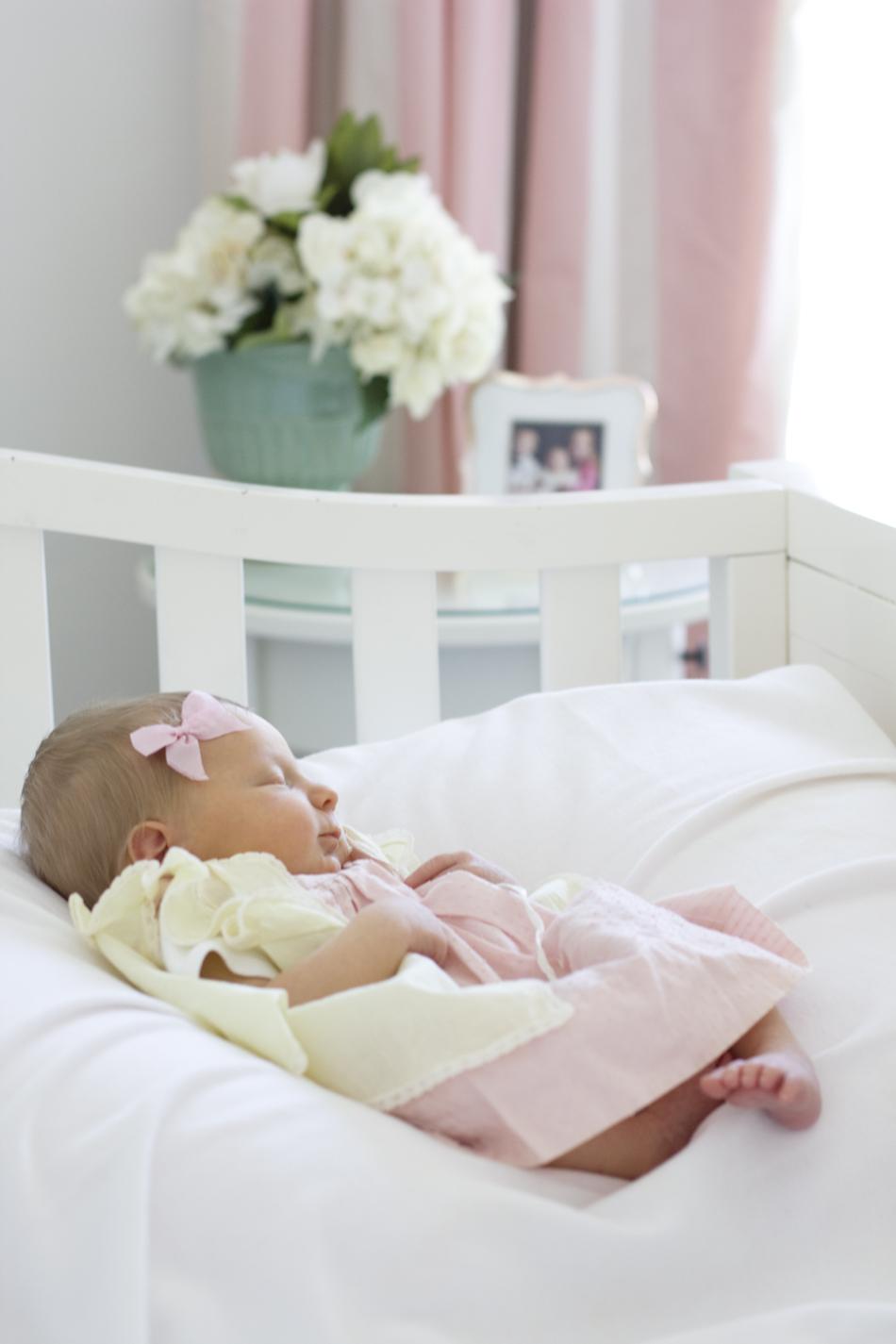 nataliemalan-newborn-hair-vintage-dress-baby-bow-diy2