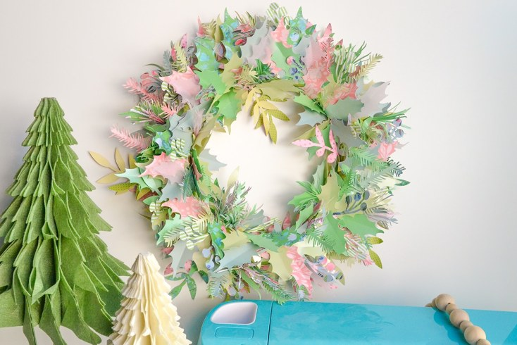 Paper Wreath for Christmas with the Cricut Explore Air 2