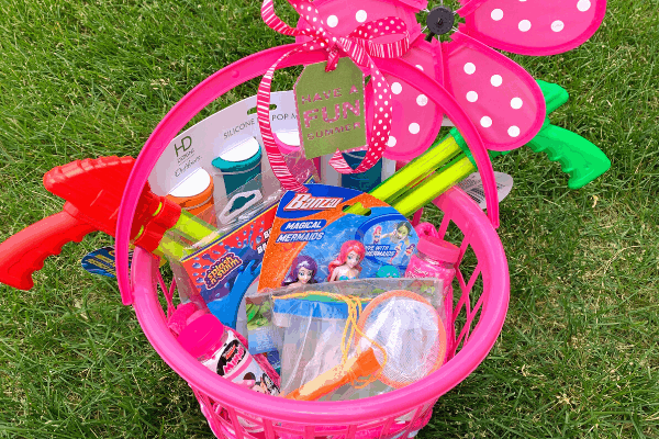 basket with summer toys for kids