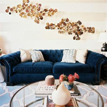 Navy Velvet   Natalie Merrillyn Does anyone have any experience with velvet sofas  I m looking for  something dark  LOVE navy   and that won t show every single fuzz and crumb