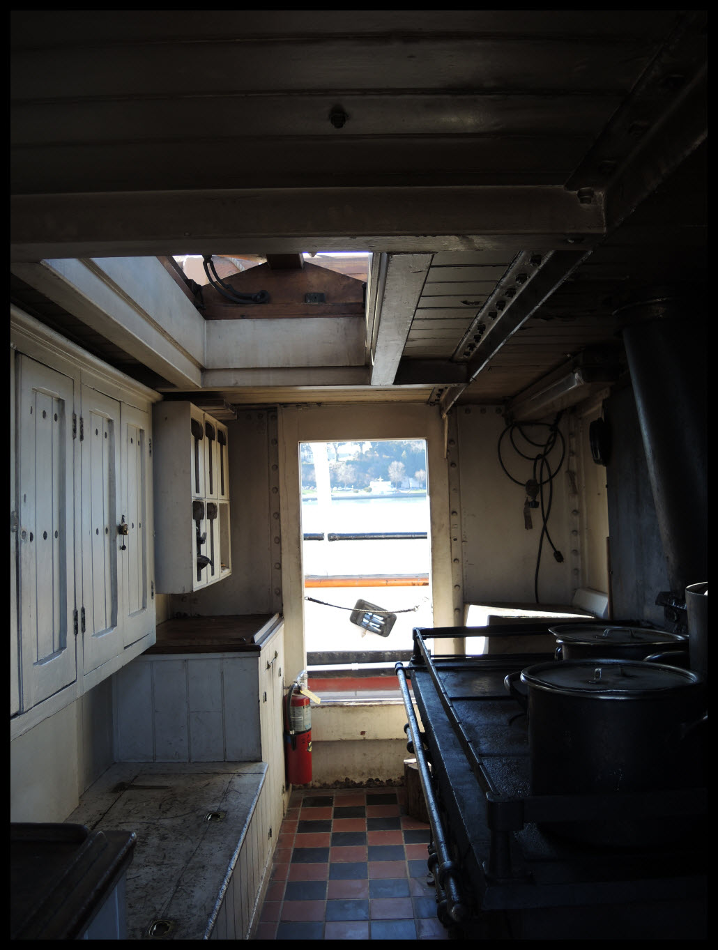 If I was a cook on an early 20th century ship, this is where I would prepare meals. Yikes