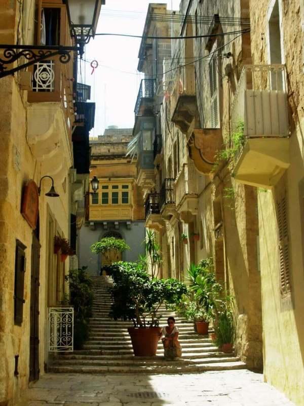 Vittoriosa street, Three Cities, Tri grada, Malta