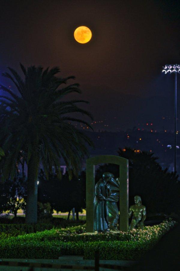 Moon rise over at La Sierra University during Nov. 2016 super moon.