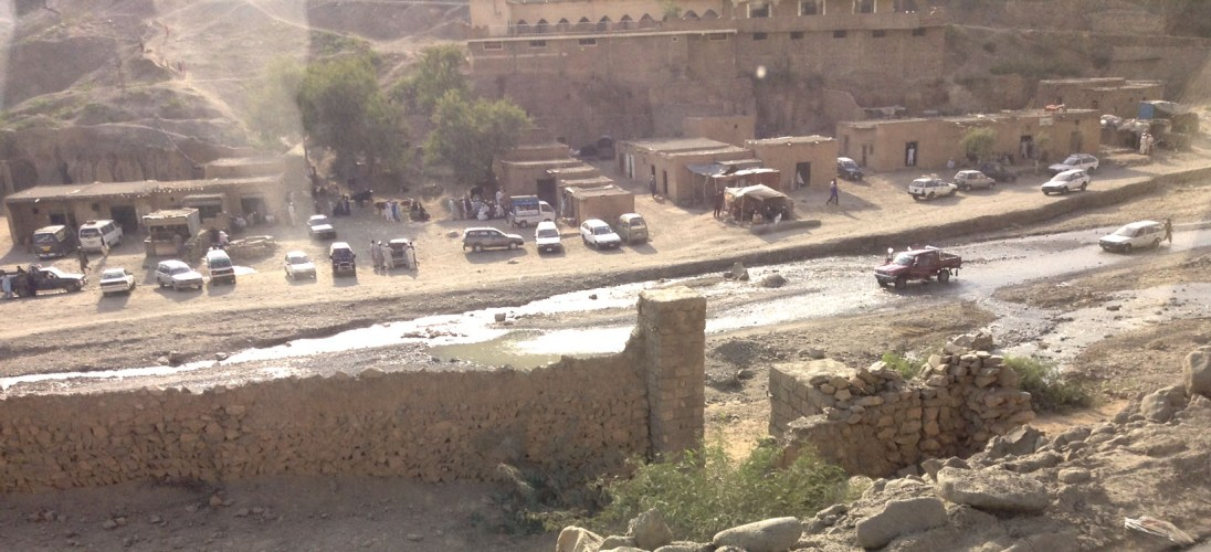 The town by the stream is guarded by the Shagai Fort