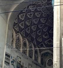 ornatemosque-entrance