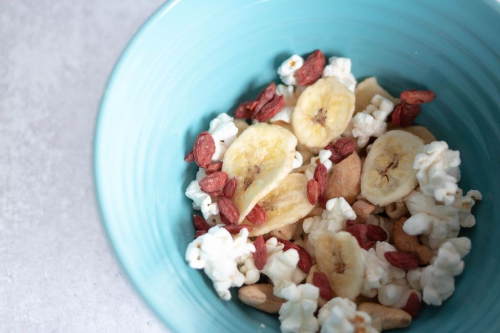 homemade healthy organic trail mix