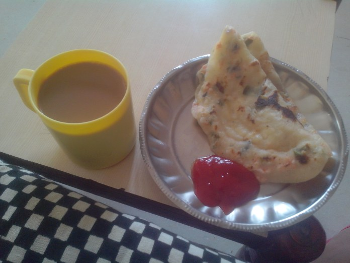 RAVA DOSA. KETCHUP & COFFEE. Preferably a breakfast. Can be eaten for lunch, dinner. Dish origin: South indian.