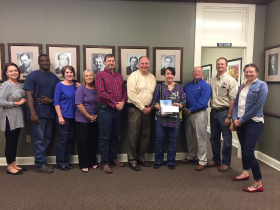 employee-of-the-month-october-2016-shawna-straub