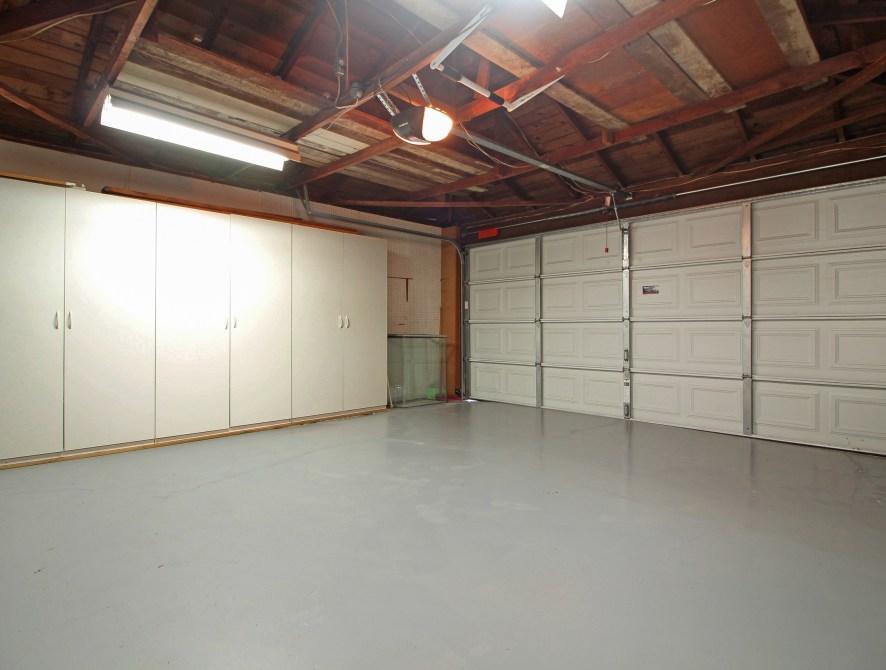 21 Garage
