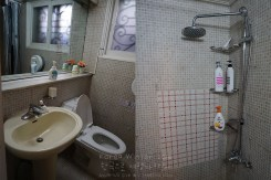 Toilet and Shower Room | Hello Stranger Guesthouse, Seoul, South Korea