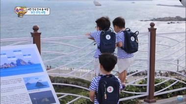 Song Triplets at Oryukdo Skywalk Busan