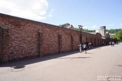 กำแพงเลียบคุก มุมนี้เคยเห็นในซีรี่หลายเรื่องเลยค่ะ