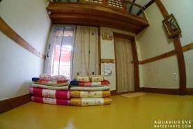 จุดเด่นของที่นี่คือฟูกและผ้าห่มสวยค่ะ แบบเกาหลีที่แท้ ชอบมาก >.