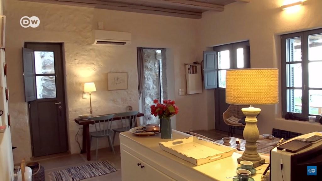 mediterranean interior design living room
