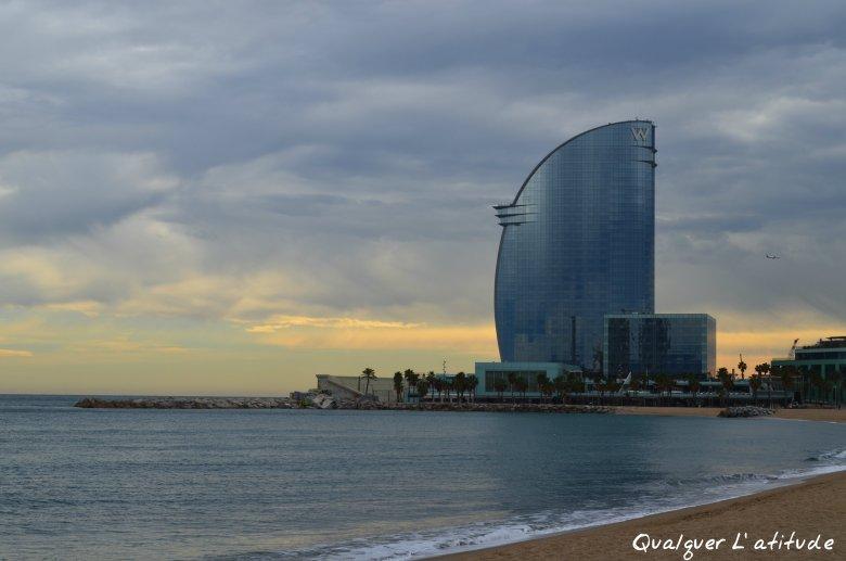 Praia de barcelona.jpg