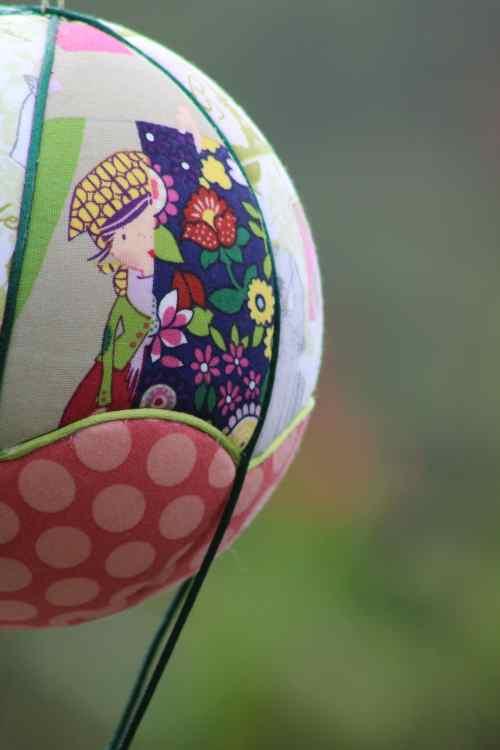 Tissu imprimé petites couturières - Montgolfière de décoration. Atelier à Villefranque (64)
