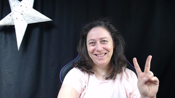 Nathalie Bagadey dans son fauteuil de gameuse